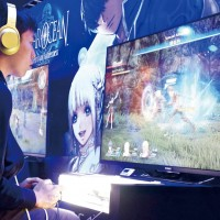 Checking out the latest games in the Taiwan e-sports scene at the recent 2016 Taipei Game Show (Photo: Jules Quartly)