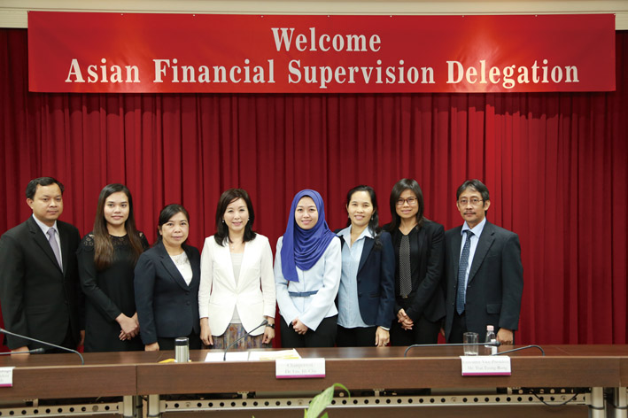 Chairman Lee Jih-chu of the Bankers Association of the R.O.C. welcomes a delegation of financial supervisors last October from five ASEAN countries. (Photo: Bankers Association)