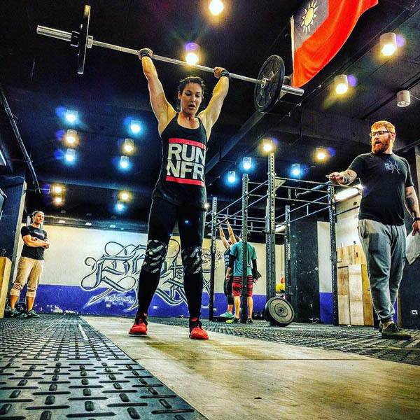 CrossFit athlete Olivia Park makes it look easy at Ba Ke Si CrossFit.