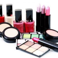 taiwan-business-topics-oct-2016-issues-cosmetics